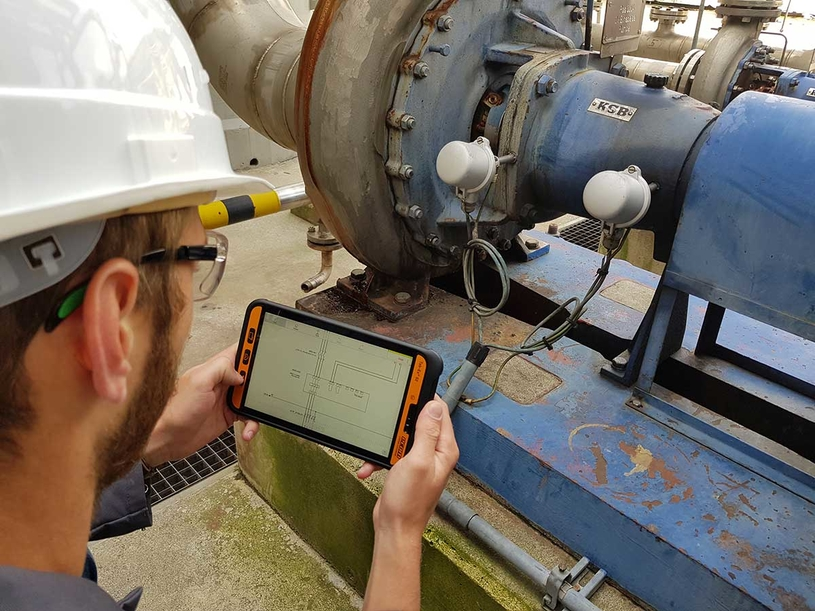Mobile workers can use augmented reality applications to receive and enter data as well as test results directly on the mobile device and even add a photo, or voice memo.
