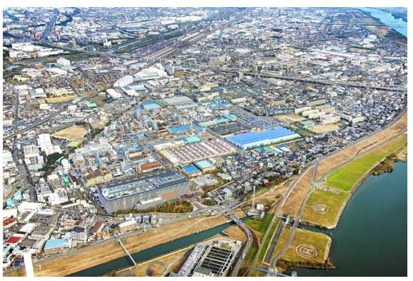 Daikin's Yodogawa plant where the joint demonstration in the reaction process of chemicals will be conducted.