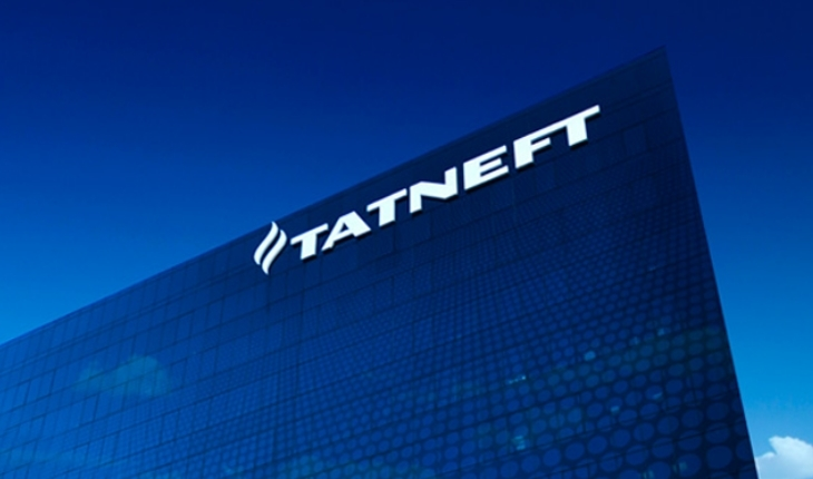 Tatneft's retail network is one of the five largest Russian chains with more than 600 own petrol stations.