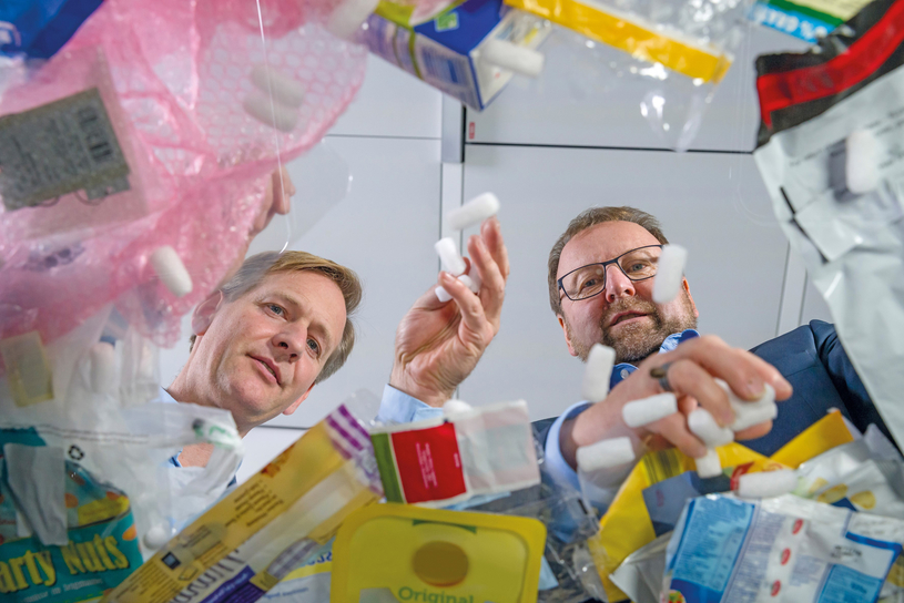 Dr Andreas Kicherer and Dr Stefan Gräter talk about the different types of plastic waste and their recycling.