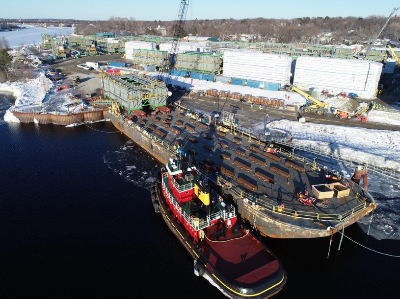 Mammoet rolls on first of 60 modules.